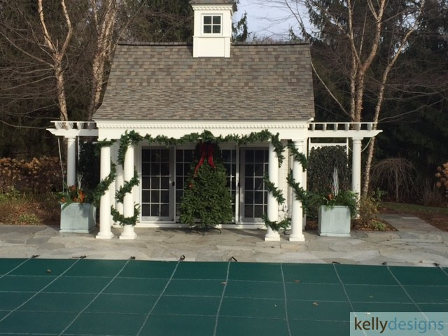 Holiday & Event Decorating By Kellydesigns  -  Exterior