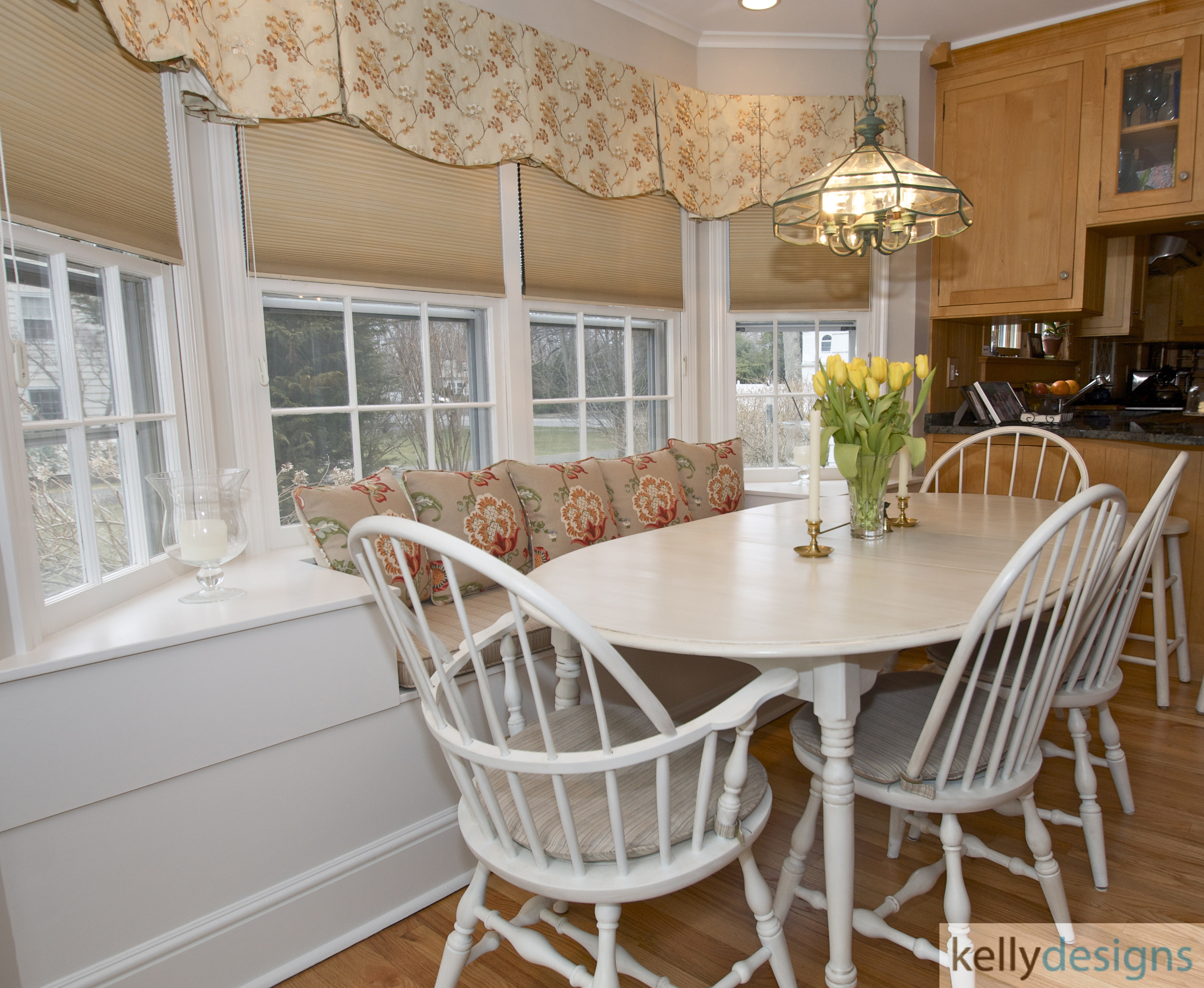 Stunning On Sturges   Eat In Kitchen    Interior Design By Kellydesigns